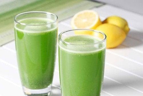 Succo di prezzemolo e limone