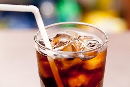 Alimenti da non accompagnare con le bevande gassate