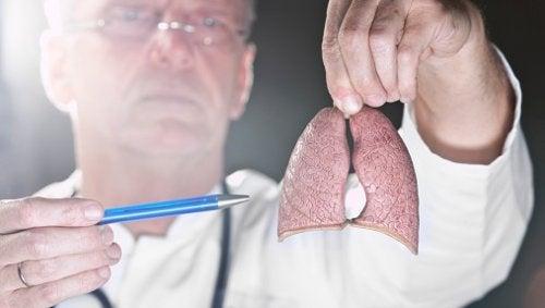 Scienza: nuovo passo verso la cura del tumore ai polmoni