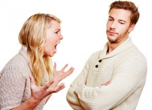 donna-arrabbiata saper ascoltare