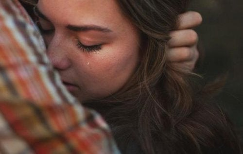 Consolare durante un lutto: le frasi giuste