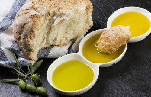 Pane e olio d'oliva: una combinazione perfetta