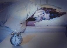 ragazza insonnia dormite poco