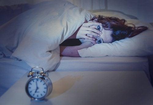 Se dormite meno di 7 ore, seguite questi consigli!