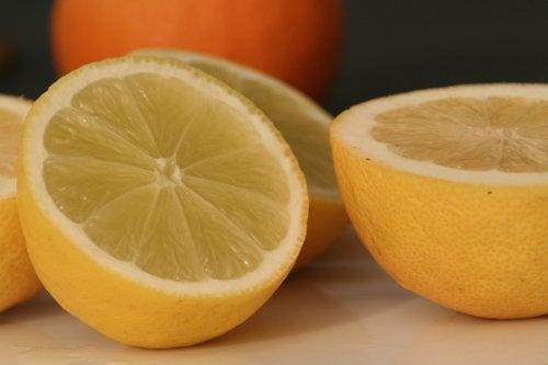 Limoni a metà