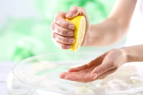 spremere un limone