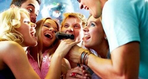 Amici che cantano