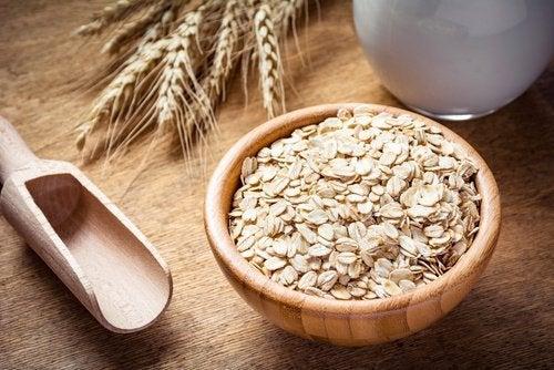 9 benefici dell'avena e perché mangiarla a colazione