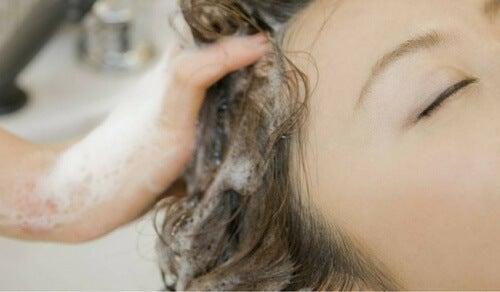 Avete sempre lavato i capelli nel modo giusto?