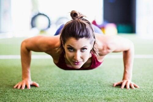 esercitare le posizioni per perdere peso