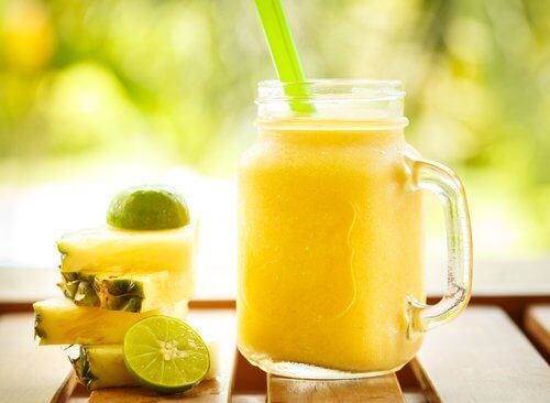 frullato-ananas-mela
