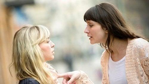 Manipolazione in amicizia