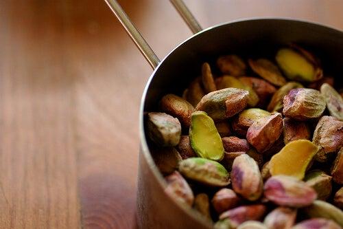 pistacchi alimenti contro l'artrite