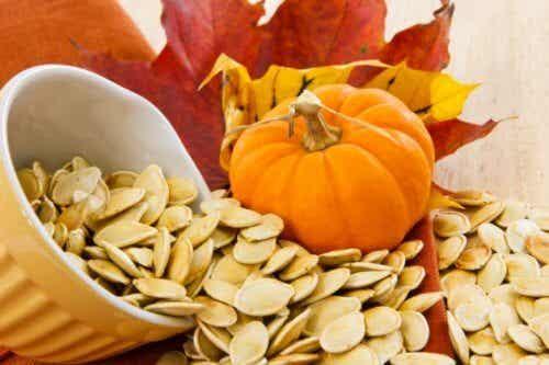 8 motivi per mangiare i semi della zucca