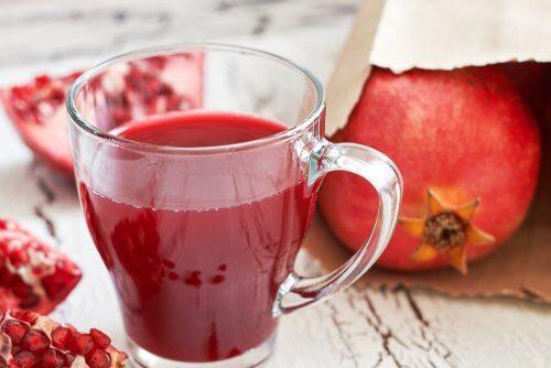 7 incredibili benefici del succo di melagrana