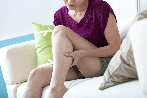6 rimedi naturali per combattere i crampi notturni