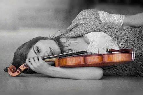 Ragazza con violino