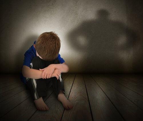 10 atteggiamenti tossici che i genitori dovrebbero evitare