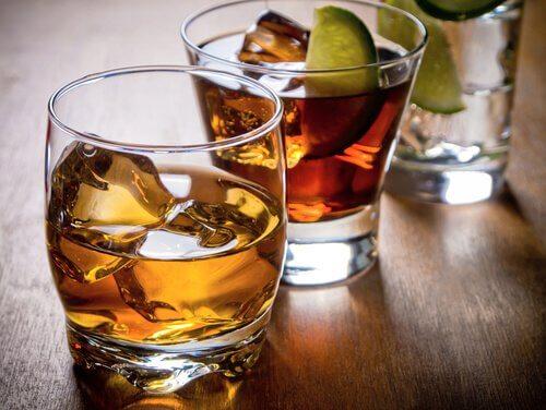 Bere alcol aumenta il rischio di ansia e depressione