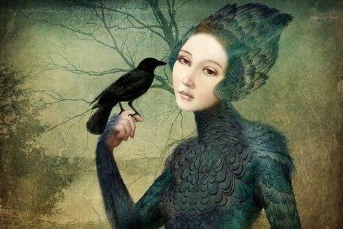 donna-con-un-corvo la felicità