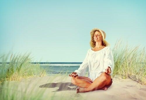 esercizi di respirazione sulla spiaggia