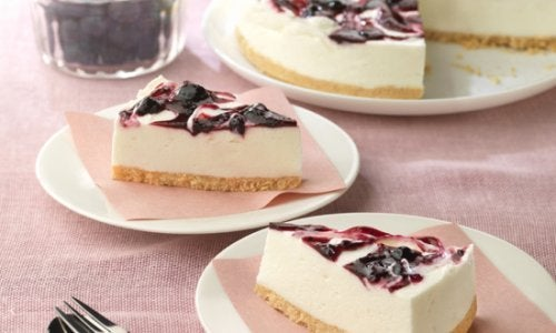 Come preparare una cheesecake allo yogurt e mirtilli