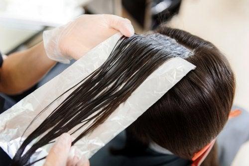 Mai provati i fogli di alluminio sui capelli?