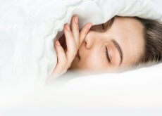 ragazza-dorme