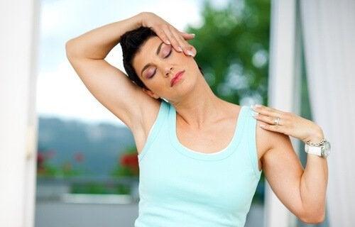 Stretching per il collo