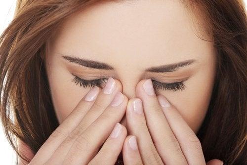 strofinare-gli-occhi