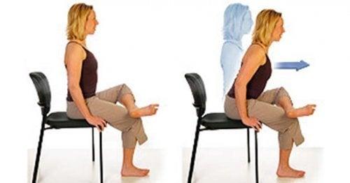 esercizi con sedia per sciatica