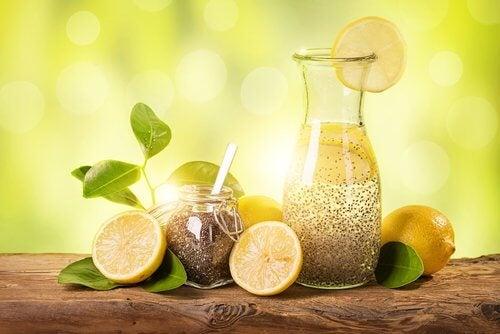 Perdere peso con limone, zenzero e semi di chia