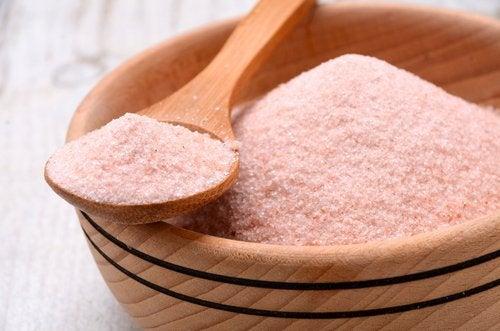 Ciotola di sale rosa