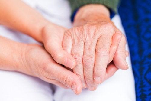 l'olio alla cannella allevia l'artrite