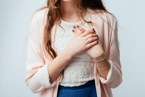 mani di donna