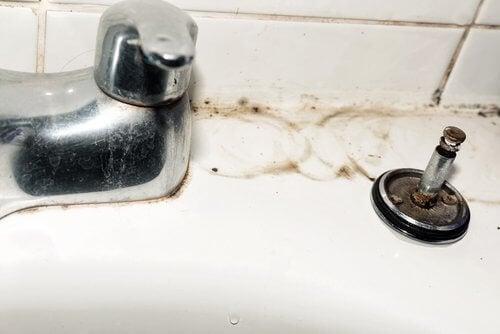 Pulizia dei rubinetti perfetta grazie a 5 consigli