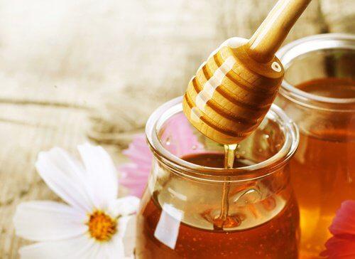 miele per attenuare le rughe