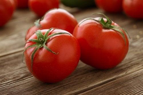 pomodoro uno dei migliori alimenti diuretici