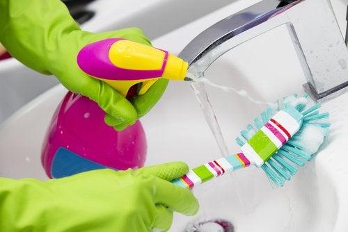 pulizia dei rubinetti e della casa