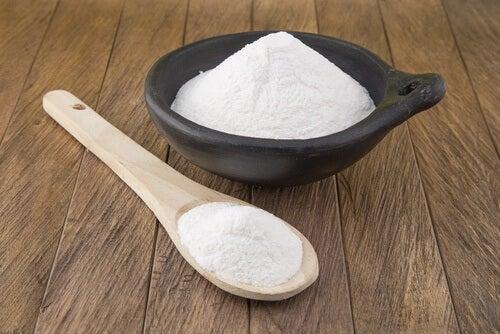 bicarbonato di sodio in ciotola