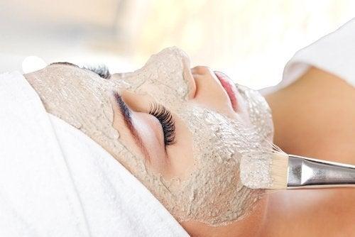 Maschere per ringiovanire senza la chirurgia estetica