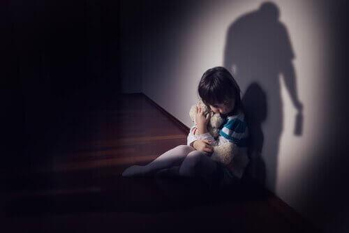 Bambina spaventata
