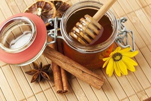 Miele cannella e anice
