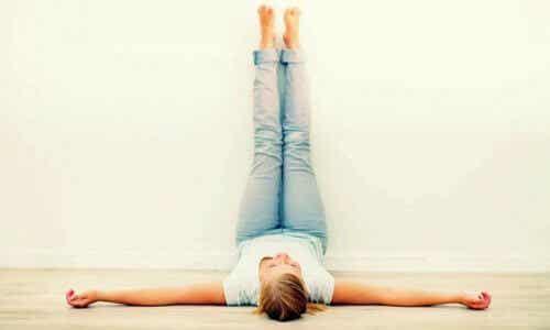 Benefici del sollevare le gambe ogni giorno per 20 minuti