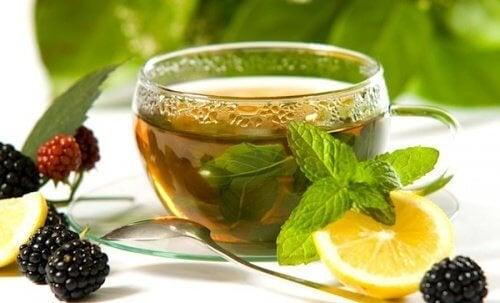 tè verde limone e more