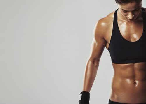 Come bruciare i grassi e aumentare la massa muscolare con la dieta