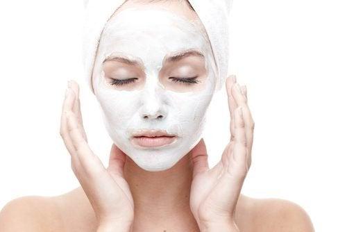 Prodigiosa maschera naturale per contrastare le rughe