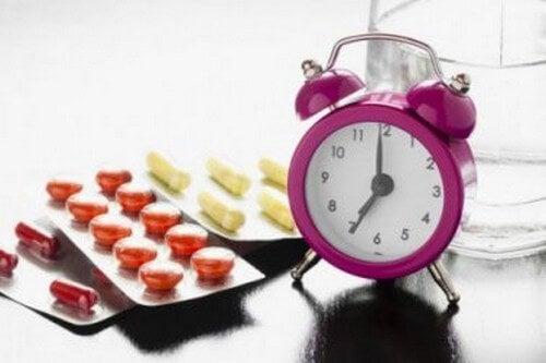Farmaci e alimenti che non vanno mai presi insieme