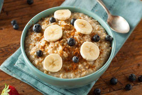 colazione avena e frutta