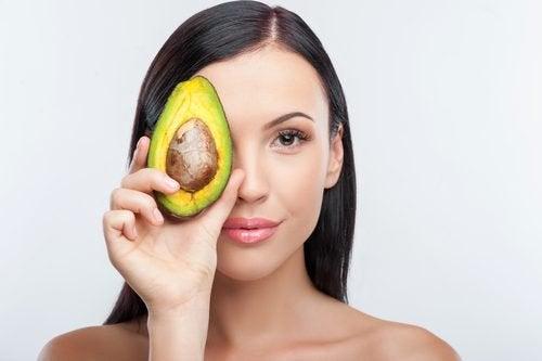 Idratare la pelle dall'interno: 10 alimenti
